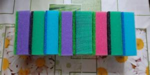Почему губки для мытья посуды разноцветные? Разница есть и вот в чем