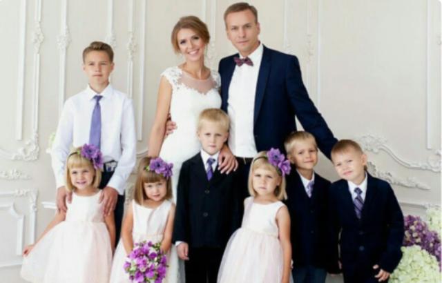 Как живет женщина, рискнувшая и вышла замуж за отца-одиночку шести детей