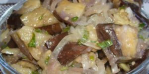 Рецепт вкуснейшей закуски из маринованных баклажанов 1