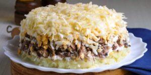 Рецепт интересного слоеного салата «Австрийский», который не останется незамеченным 1