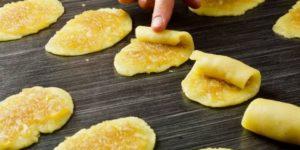 Рецепт трубочек с карамельно-яблочной начинкой 1