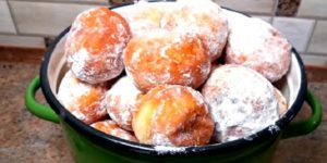 Бесподобные пончики из чудо теста. Мягкие, воздушные и очень вкусные!