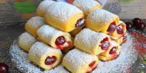 Печенье «Вишни под снегом» — невесомое и хрустящее и готовится всего 30 минут!